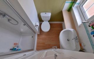 Идеи как обустроить маленькую ванную комнату