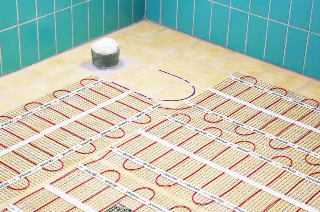 Какой теплый пол выбрать водяной или электрический