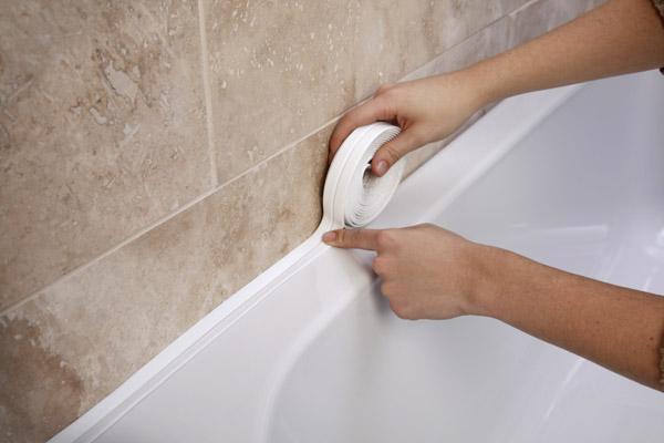 как правильно приклеить бордюр в ванной
