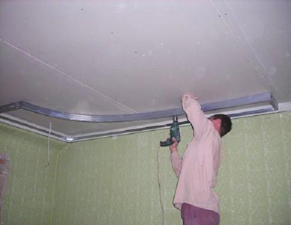 потолок в ванной из гипсокартона