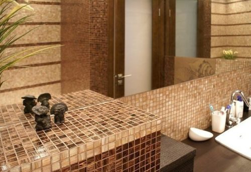 коричнево-бежевая ванна