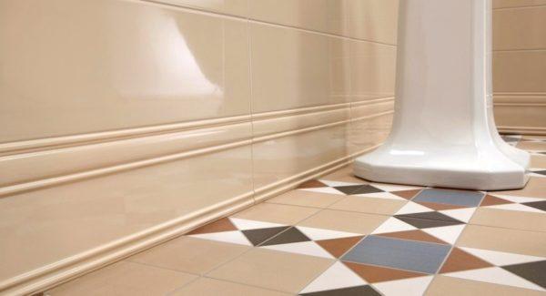 керамическое покрытие пола ванной