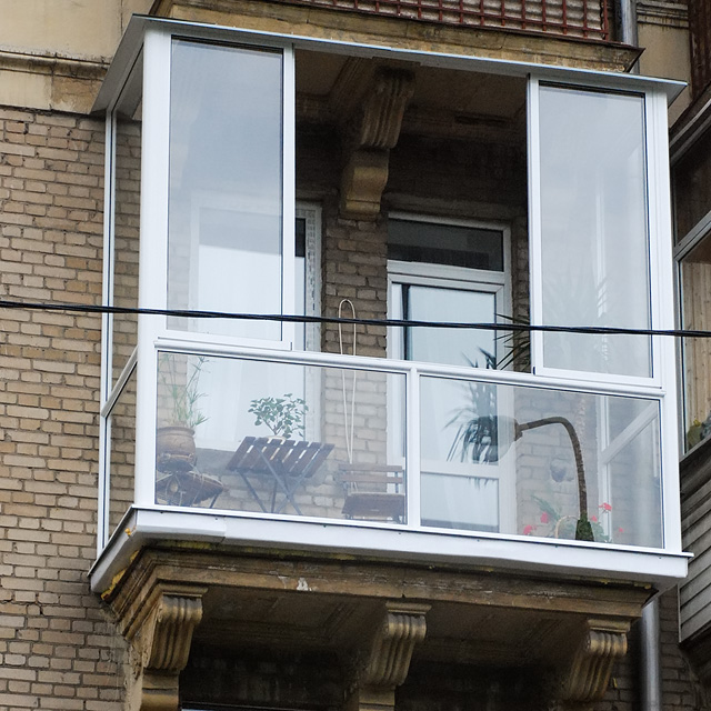french-windows_provedal_sealed-bottom[1]