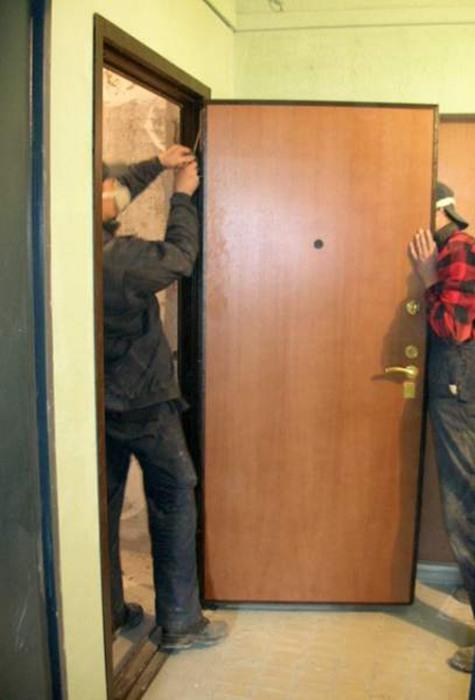 ustanovka-metallicheskoj-dveri-svoimi-rukami[1]