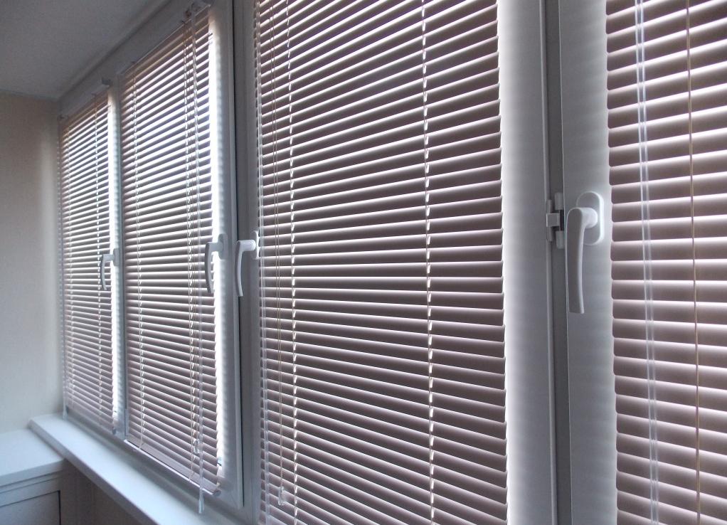 zhalyuzi_na_balkon1[1]