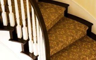 Как положить ковролин на лестницу