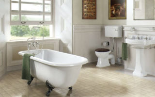 Особенности ванной комнаты в белых тонах