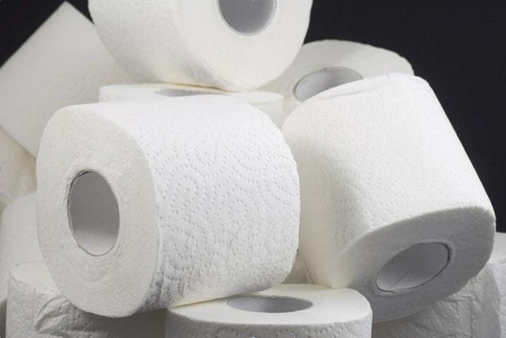 несколько рулонов мягкой туалетной бумаги