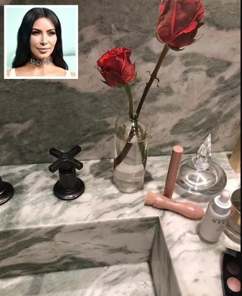 Святая святых: что хранится в ванной Ким Кардашьян и других звёзд
