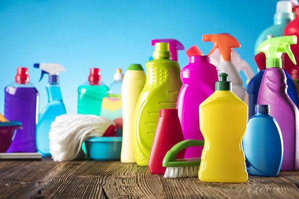 Моющие и чистящие средства какие выбрать для дома