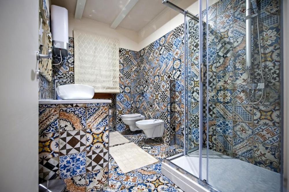 Основные характеристики ванной комнаты в средиземноморском стиле