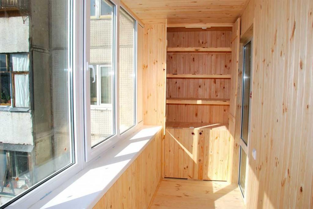 otdelka-balkona-vagonkoy[1]