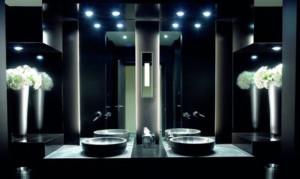 Вариант подсветки  ванной комнатыточечными светодиодными светильниками